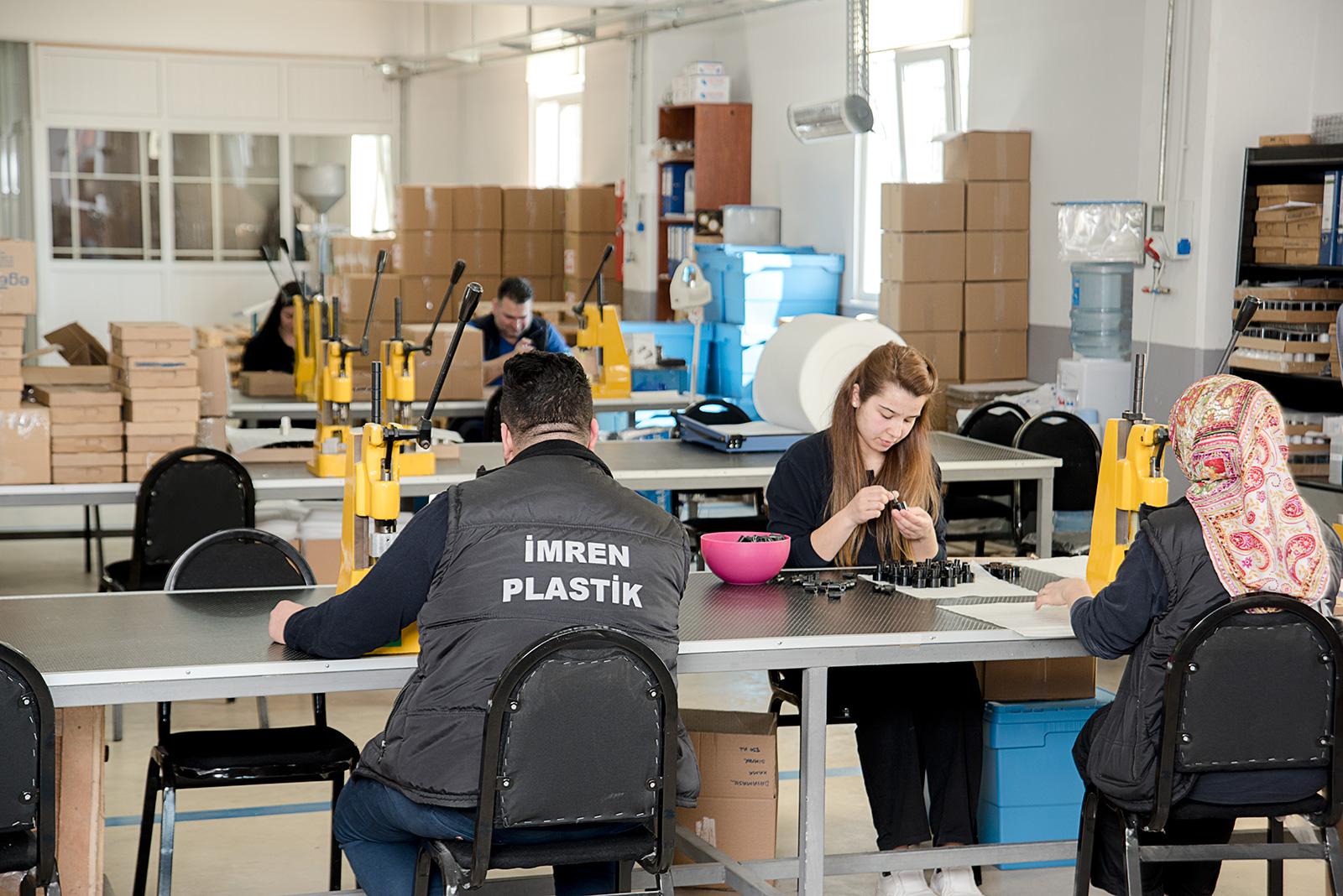Imren Plastics Mounting Crew